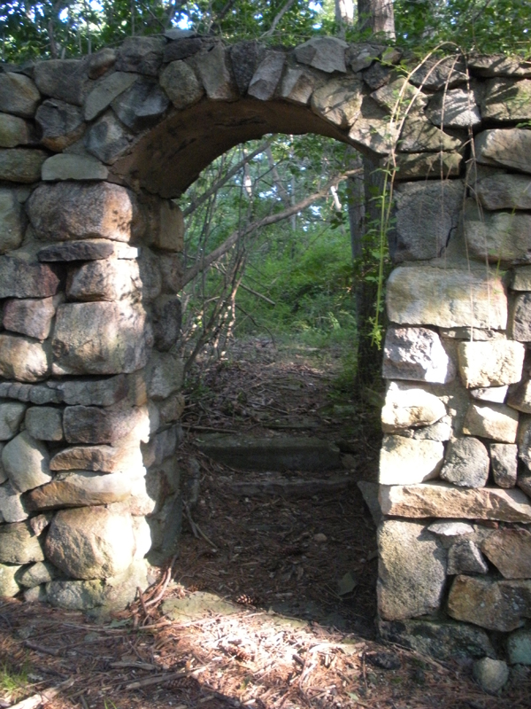 Ruins of the Redard Estate in Harriman: The Gateway